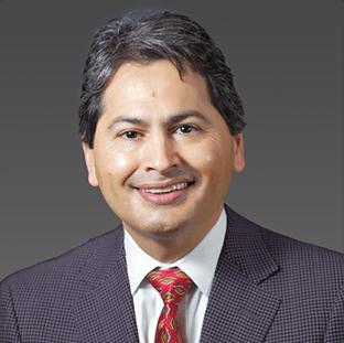 Dr. Eduardo Alcocer